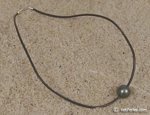 Favori pendentif en perles Tahiti (couleur des perles : noires  RN37